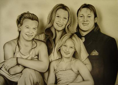 Picture of airbrushed family portrait by Hans Kreuzen,width=